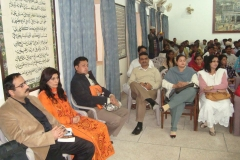 dr-fouzia-saeeds-book-launched-working-with-sharks6